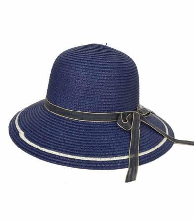 Stylowy kapelusz plażowy słomkowy wstążka